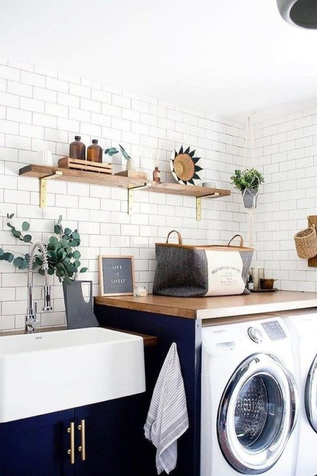 20 Inspiring Laundry Room Design With French Country Style Lovahomy